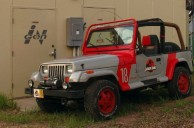 Generous Redditor gives a Jurassic Park-themed Jeep to Telltale Games. Gets it back damaged.