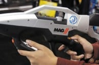 CES 2013: Hands on with the MAG 2 gun controller